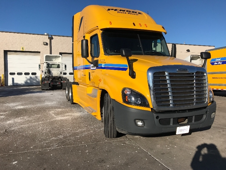 Sleeper Tractor-Heavy Duty Tractors-Freightliner-2013-Cascadia 12564ST-BELLMAWR-NJ-340,408 miles-$57,000