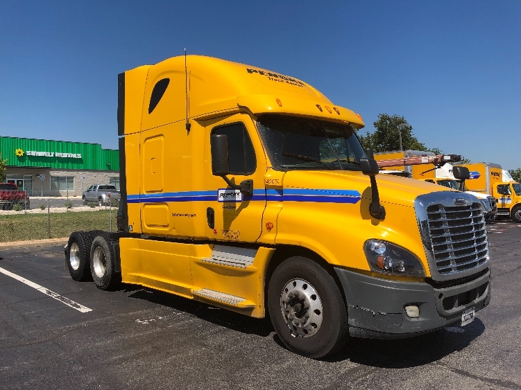 Sleeper Tractor-Heavy Duty Tractors-Freightliner-2013-Cascadia 12564ST-GREENSBORO-NC-624,490 miles-$35,500