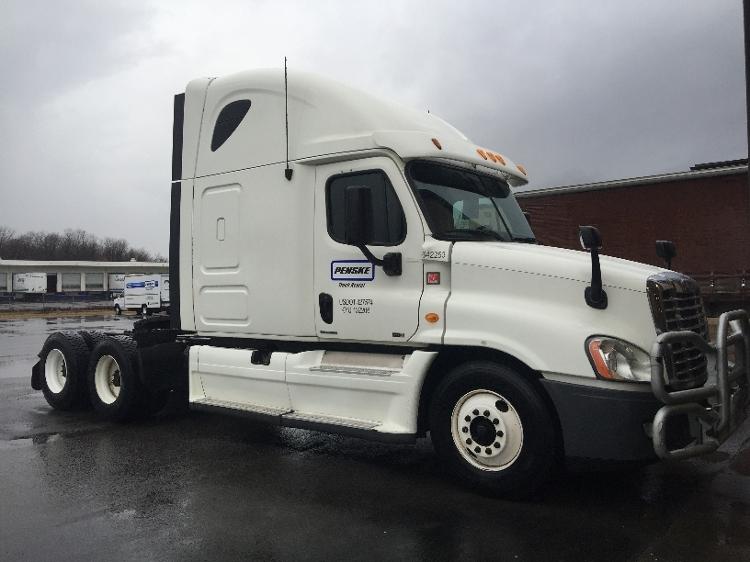 Sleeper Tractor-Heavy Duty Tractors-Freightliner-2013-Cascadia 12564ST-NORTH BERGEN-NJ-723,946 miles-$36,000