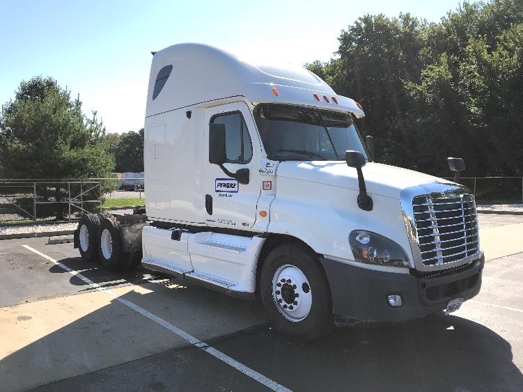 Sleeper Tractor-Heavy Duty Tractors-Freightliner-2013-Cascadia 12564ST-NORTH BERGEN-NJ-619,948 miles-$51,000