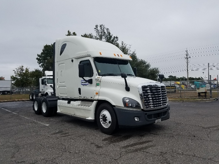 Sleeper Tractor-Heavy Duty Tractors-Freightliner-2013-Cascadia 12564ST-MEDLEY-FL-554,553 miles-$32,250