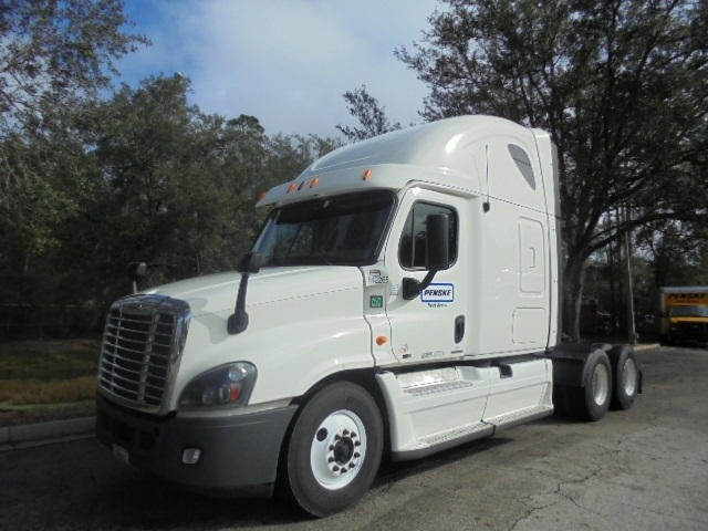 Sleeper Tractor-Heavy Duty Tractors-Freightliner-2013-Cascadia 12564ST-TALLAHASSEE-FL-687,218 miles-$40,750