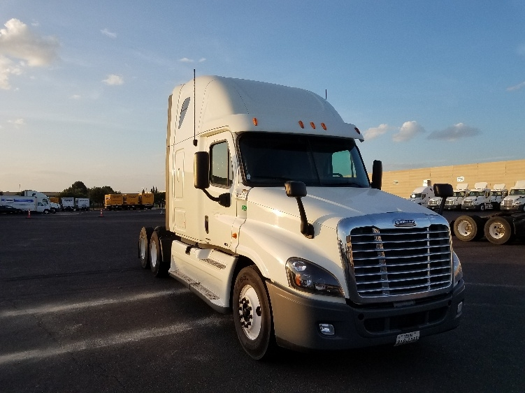 Sleeper Tractor-Heavy Duty Tractors-Freightliner-2013-Cascadia 12564ST-ALEXANDRIA-VA-547,942 miles-$50,000