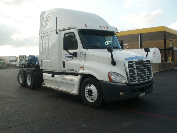 Sleeper Tractor-Heavy Duty Tractors-Freightliner-2013-Cascadia 12564ST-WATERTOWN-NY-479,186 miles-$46,000