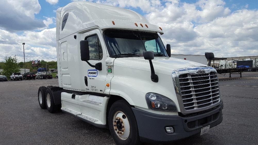 Sleeper Tractor-Heavy Duty Tractors-Freightliner-2013-Cascadia 12564ST-TUSCALOOSA-AL-596,299 miles-$46,000