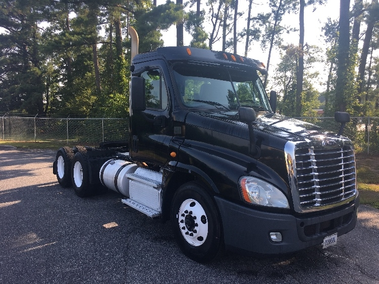 Day Cab Tractor-Heavy Duty Tractors-Freightliner-2013-Cascadia 12564ST-SPARTANBURG-SC-492,362 miles-$32,000