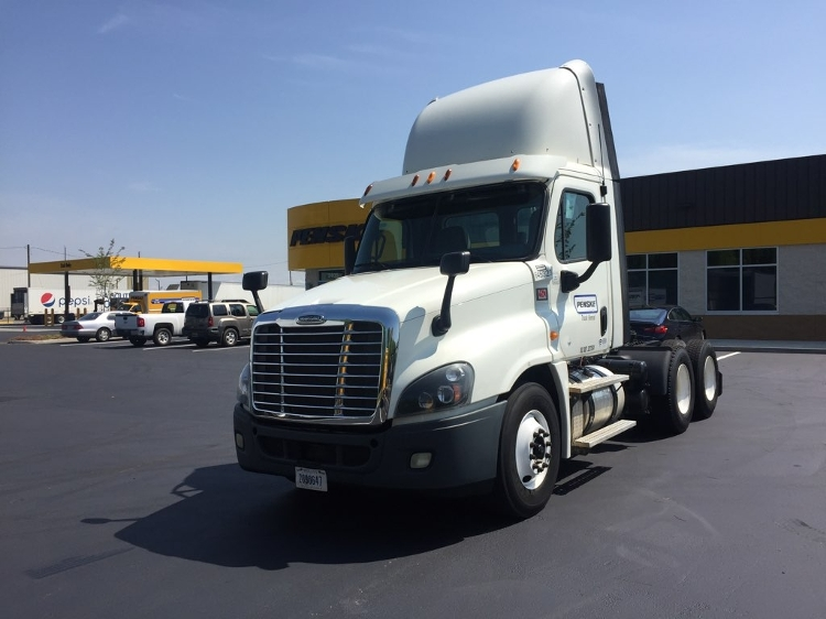 Day Cab Tractor-Heavy Duty Tractors-Freightliner-2013-Cascadia 12564ST-MOBILE-AL-337,336 miles-$53,750