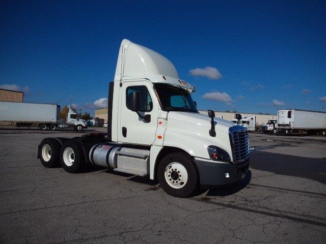 Day Cab Tractor-Heavy Duty Tractors-Freightliner-2013-Cascadia 12564ST-FORT SMITH-AR-459,050 miles-$35,500