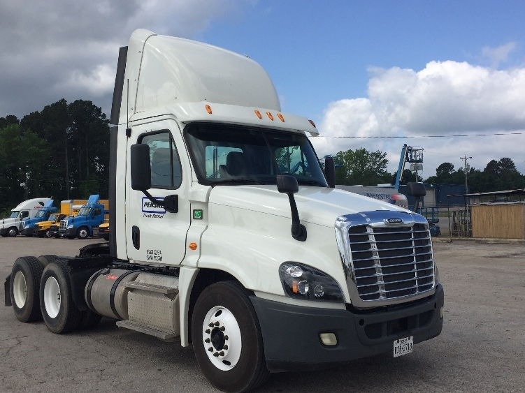 Day Cab Tractor-Heavy Duty Tractors-Freightliner-2013-Cascadia 12564ST-LONGVIEW-TX-124,266 miles-$57,500
