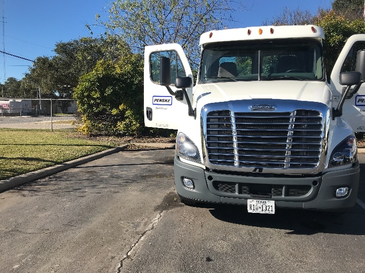 Day Cab Tractor-Heavy Duty Tractors-Freightliner-2013-Cascadia 12564ST-BATON ROUGE-LA-272,816 miles-$42,750