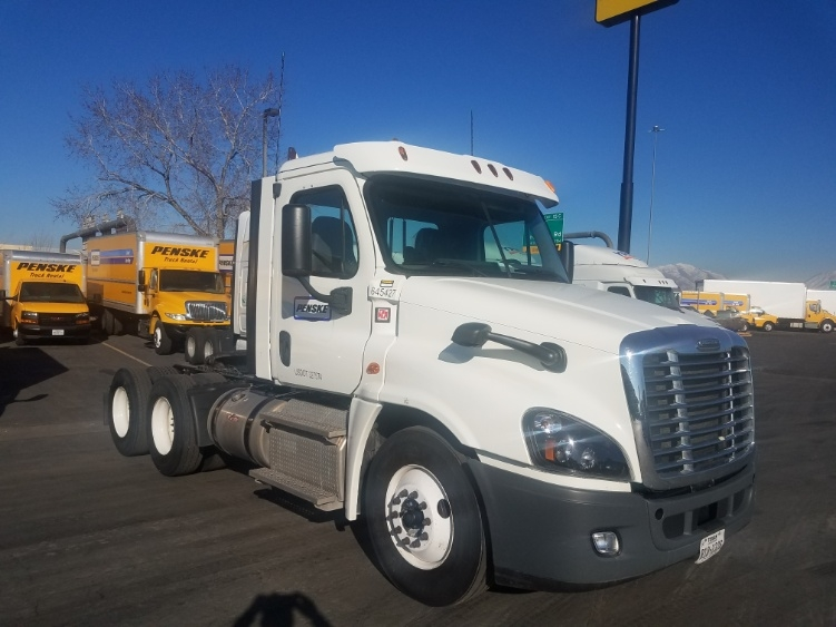 Day Cab Tractor-Heavy Duty Tractors-Freightliner-2013-Cascadia 12564ST-ALBUQUERQUE-NM-429,671 miles-$42,250