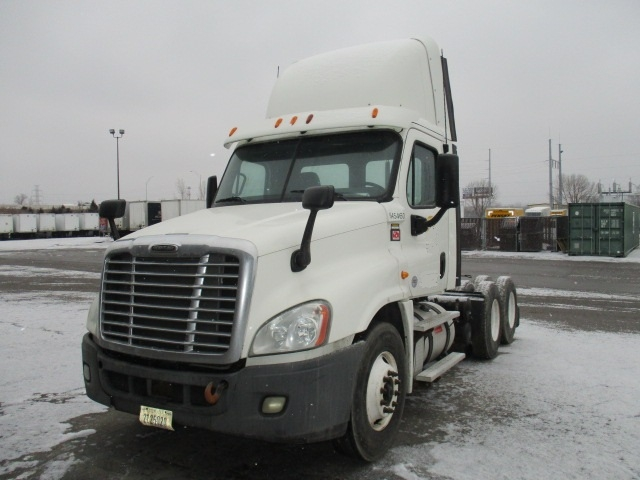 Day Cab Tractor-Heavy Duty Tractors-Freightliner-2013-Cascadia 12564ST-OMAHA-NE-384,787 miles-$37,750
