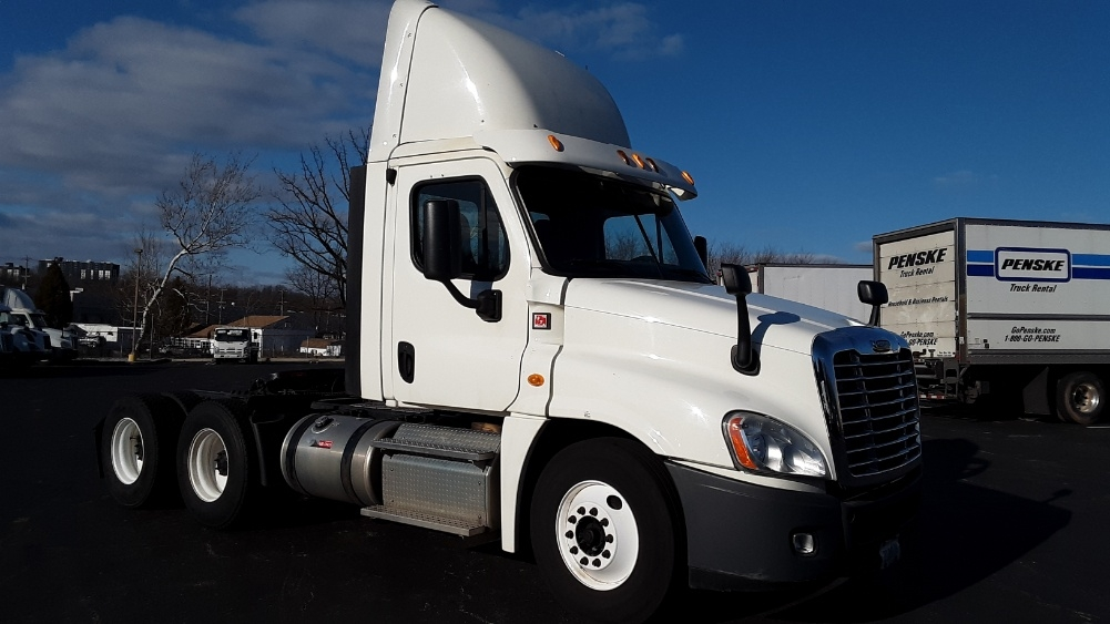 Day Cab Tractor-Heavy Duty Tractors-Freightliner-2013-Cascadia 12564ST-KING OF PRUSSIA-PA-246,207 miles-$53,750
