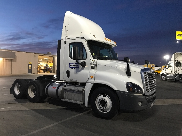 Day Cab Tractor-Heavy Duty Tractors-Freightliner-2013-Cascadia 12564ST-BAKERSFIELD-CA-254,745 miles-$62,250