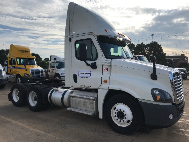 Day Cab Tractor-Heavy Duty Tractors-Freightliner-2013-Cascadia 12564ST-MEMPHIS-TN-366,786 miles-$55,500