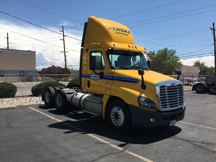 Day Cab Tractor-Heavy Duty Tractors-Freightliner-2013-Cascadia 12564ST-ALBUQUERQUE-NM-452,412 miles-$38,500