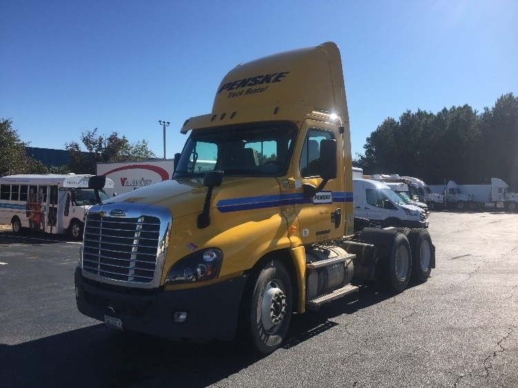 Day Cab Tractor-Heavy Duty Tractors-Freightliner-2013-Cascadia 12564ST-CHESAPEAKE-VA-307,435 miles-$50,250
