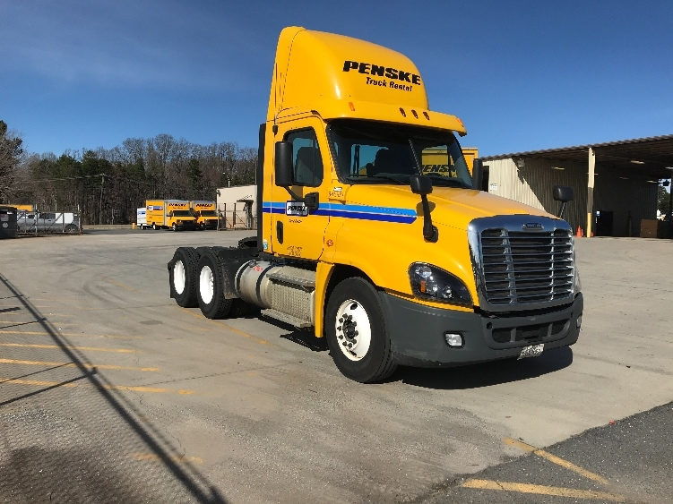 Day Cab Tractor-Heavy Duty Tractors-Freightliner-2013-Cascadia 12564ST-WINSTON SALEM-NC-559,742 miles-$32,250