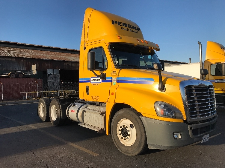 Day Cab Tractor-Heavy Duty Tractors-Freightliner-2013-Cascadia 12564ST-OKLAHOMA CITY-OK-239,435 miles-$54,000