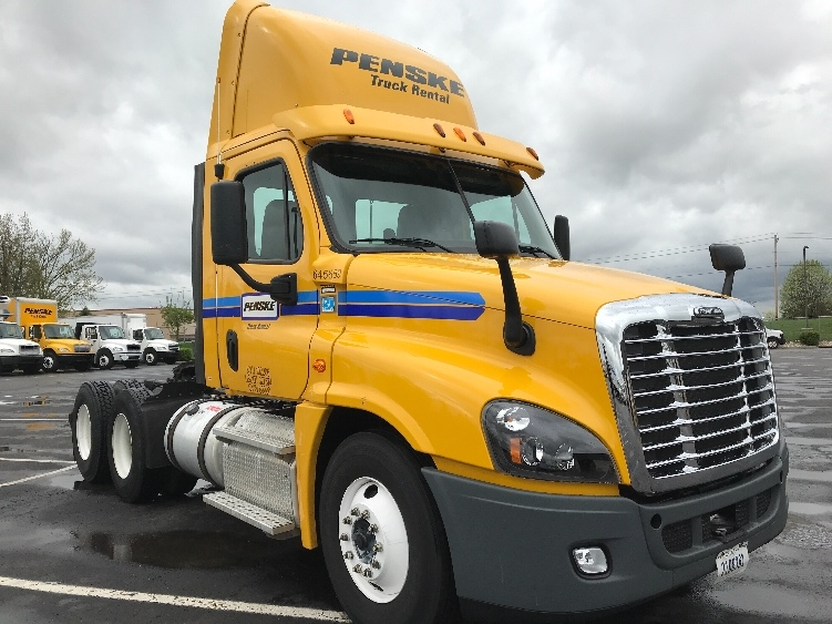 Day Cab Tractor-Heavy Duty Tractors-Freightliner-2013-Cascadia 12564ST-ERLANGER-KY-350,759 miles-$37,250