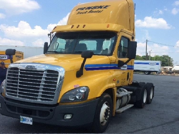 Day Cab Tractor-Heavy Duty Tractors-Freightliner-2013-Cascadia 12564ST-MACON-GA-335,384 miles-$42,500