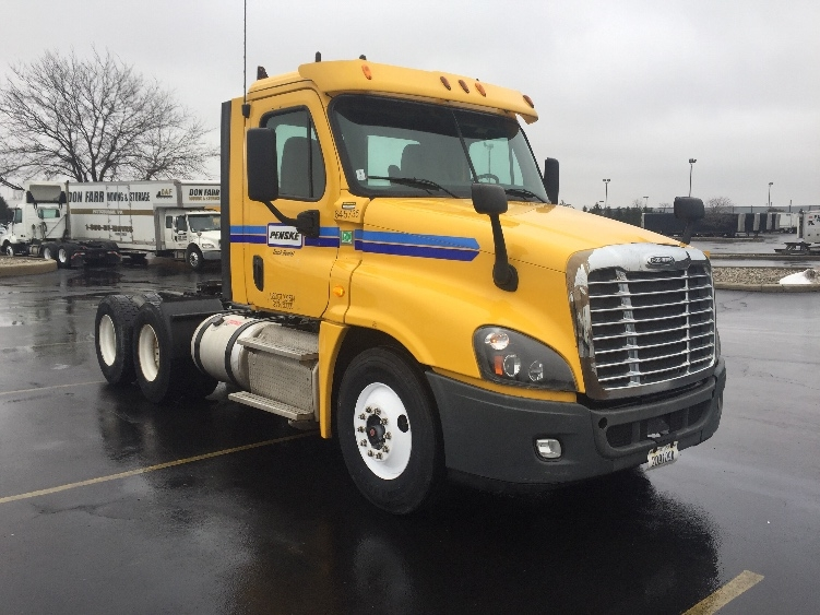 Day Cab Tractor-Heavy Duty Tractors-Freightliner-2013-Cascadia 12564ST-PERRYSBURG-OH-270,915 miles-$40,000