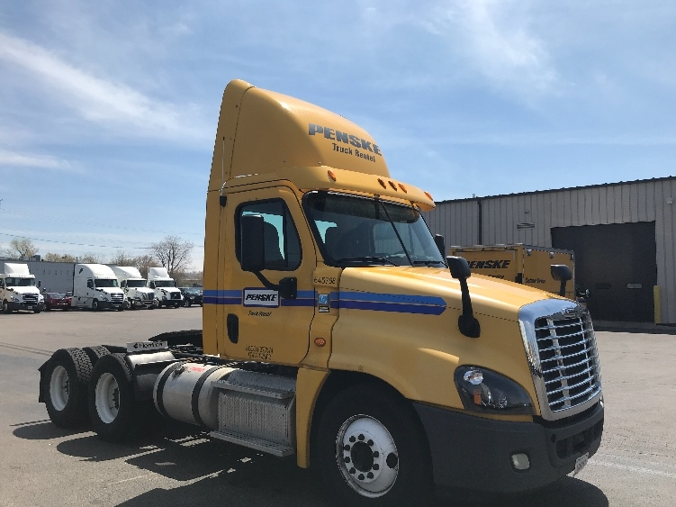 Day Cab Tractor-Heavy Duty Tractors-Freightliner-2013-Cascadia 12564ST-SHEBOYGAN-WI-336,379 miles-$43,750