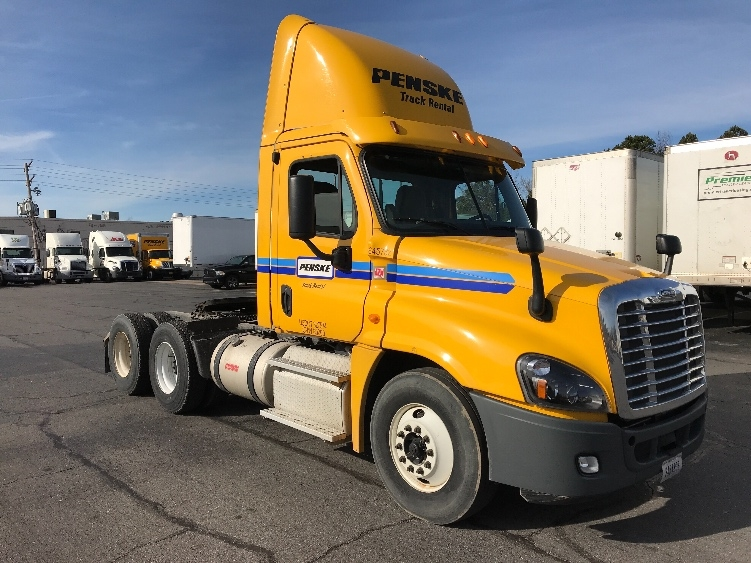 Day Cab Tractor-Heavy Duty Tractors-Freightliner-2013-Cascadia 12564ST-LITTLE ROCK-AR-414,537 miles-$38,500