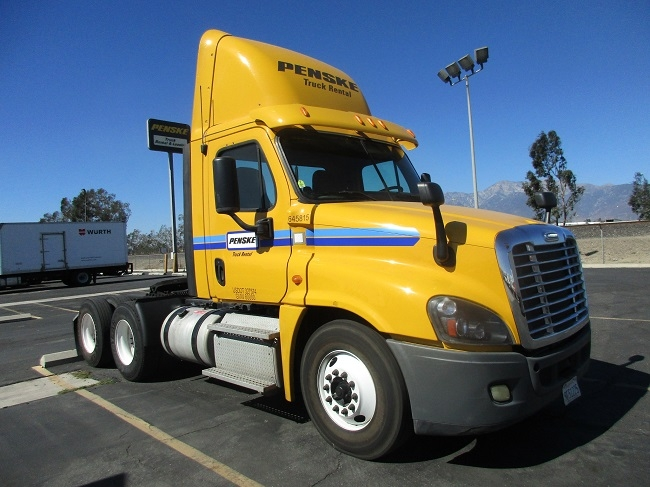 Day Cab Tractor-Heavy Duty Tractors-Freightliner-2013-Cascadia 12564ST-TORRANCE-CA-217,262 miles-$49,500