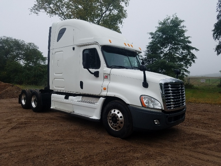 Sleeper Tractor-Heavy Duty Tractors-Freightliner-2013-Cascadia 12564ST-EAU CLAIRE-WI-648,725 miles-$43,500