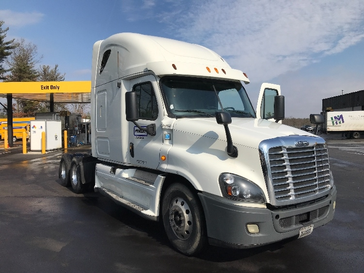 Sleeper Tractor-Heavy Duty Tractors-Freightliner-2013-Cascadia 12564ST-LONDONDERRY-NH-572,179 miles-$41,500