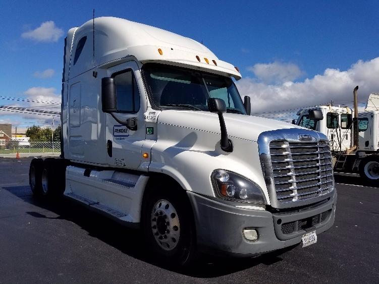Sleeper Tractor-Heavy Duty Tractors-Freightliner-2013-Cascadia 12564ST-SARASOTA-FL-600,883 miles-$47,250