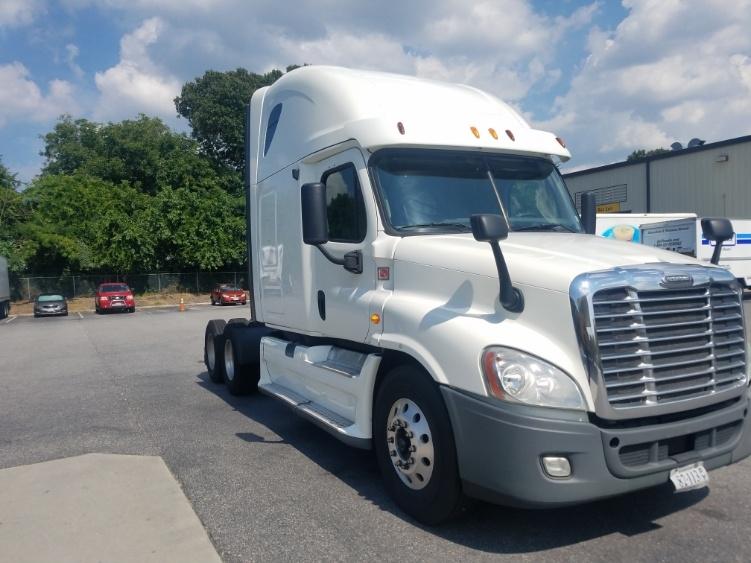 Sleeper Tractor-Heavy Duty Tractors-Freightliner-2013-Cascadia 12564ST-NORFOLK-VA-617,227 miles-$43,750