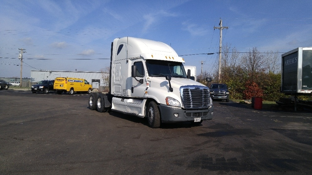 Sleeper Tractor-Heavy Duty Tractors-Freightliner-2013-Cascadia 12564ST-WILMINGTON-OH-440,292 miles-$50,500