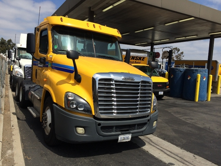 Day Cab Tractor-Heavy Duty Tractors-Freightliner-2013-Cascadia 12564ST-TORRANCE-CA-232,322 miles-$61,500