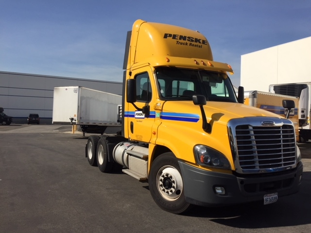 Day Cab Tractor-Heavy Duty Tractors-Freightliner-2013-Cascadia 12564ST-CITY OF INDUSTRY-CA-165,795 miles-$45,500