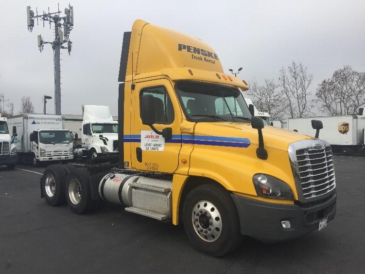 Day Cab Tractor-Heavy Duty Tractors-Freightliner-2013-Cascadia 12564ST-HAYWARD-CA-185,252 miles-$56,500