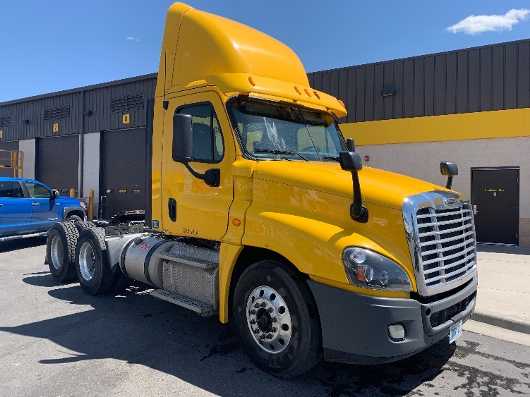 Day Cab Tractor-Heavy Duty Tractors-Freightliner-2013-Cascadia 12564ST-DENVER-CO-285,000 miles-$52,500