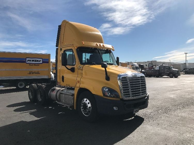 Day Cab Tractor-Heavy Duty Tractors-Freightliner-2013-Cascadia 12564ST-DENVER-CO-218,889 miles-$56,750