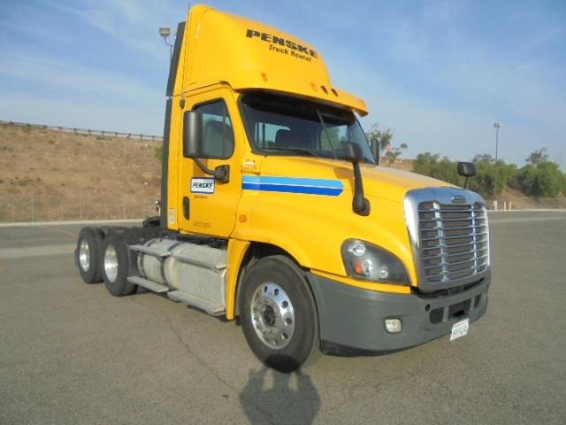 Day Cab Tractor-Heavy Duty Tractors-Freightliner-2013-Cascadia 12564ST-CORONA-CA-206,479 miles-$66,000