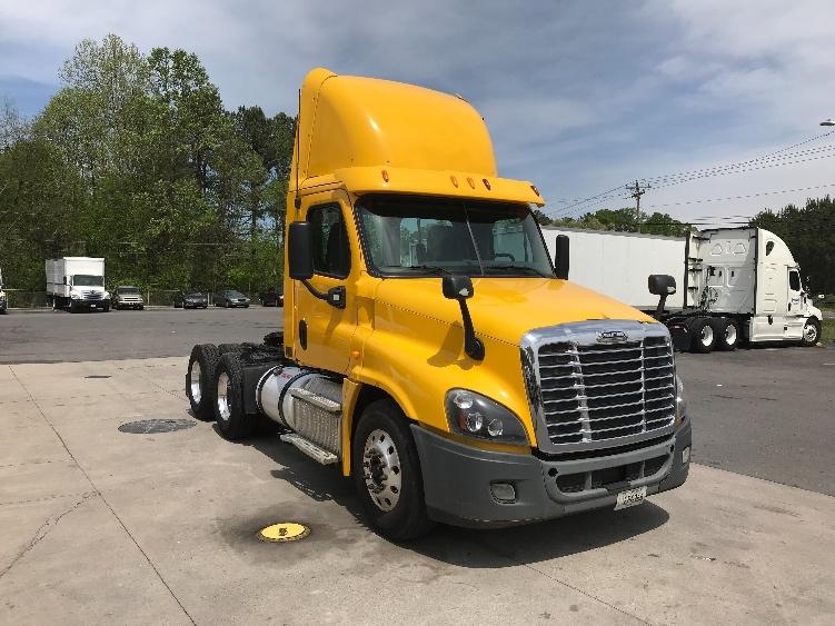 Day Cab Tractor-Heavy Duty Tractors-Freightliner-2013-Cascadia 12564ST-DALTON-GA-241,911 miles-$52,000
