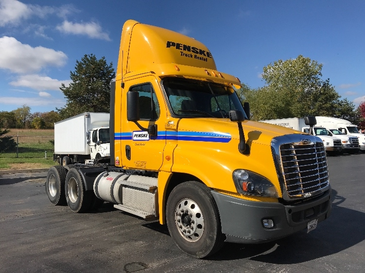 Day Cab Tractor-Heavy Duty Tractors-Freightliner-2013-Cascadia 12564ST-KANSAS CITY-MO-313,802 miles-$44,500