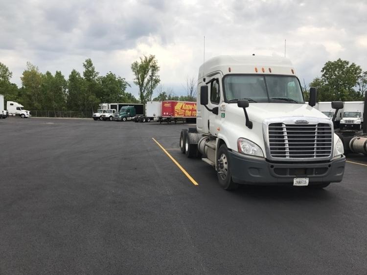 Sleeper Tractor-Heavy Duty Tractors-Freightliner-2012-Cascadia 12564ST-OBETZ-OH-512,314 miles-$40,250