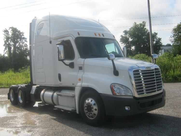 Sleeper Tractor-Heavy Duty Tractors-Freightliner-2012-Cascadia 12564ST-AKRON-NY-456,597 miles-$44,000
