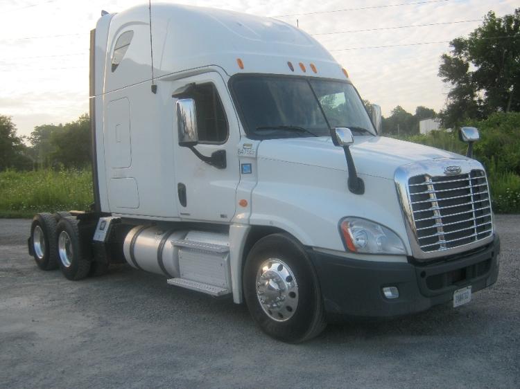 Sleeper Tractor-Heavy Duty Tractors-Freightliner-2012-Cascadia 12564ST-AKRON-NY-472,254 miles-$43,750