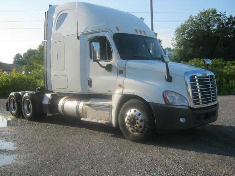 Sleeper Tractor-Heavy Duty Tractors-Freightliner-2012-Cascadia 12564ST-AKRON-NY-374,491 miles-$46,000