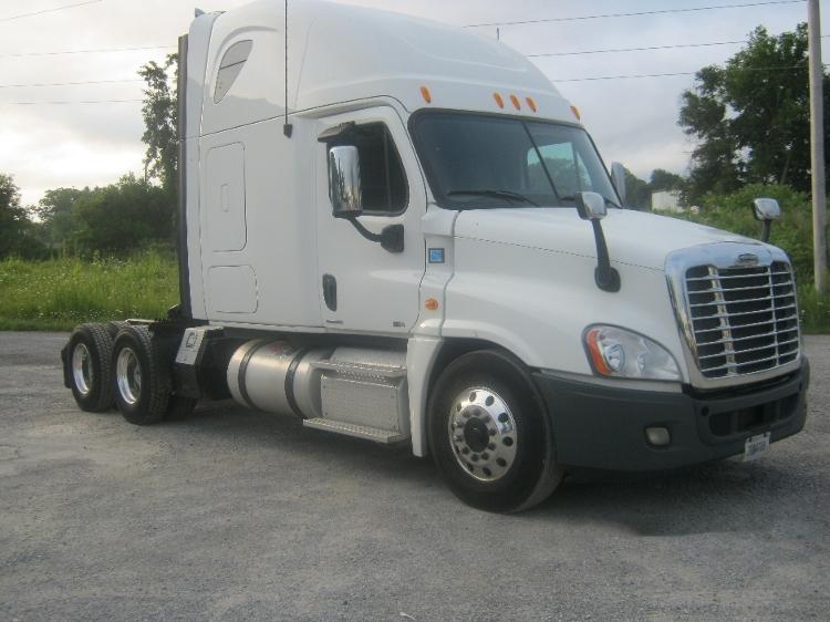 Sleeper Tractor-Heavy Duty Tractors-Freightliner-2012-Cascadia 12564ST-AKRON-NY-412,469 miles-$45,000