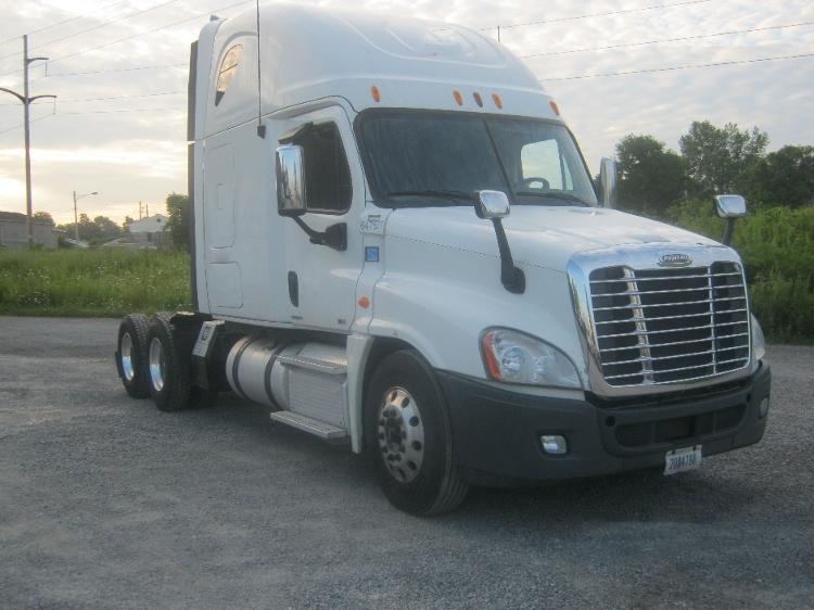 Sleeper Tractor-Heavy Duty Tractors-Freightliner-2012-Cascadia 12564ST-AKRON-NY-443,054 miles-$44,250