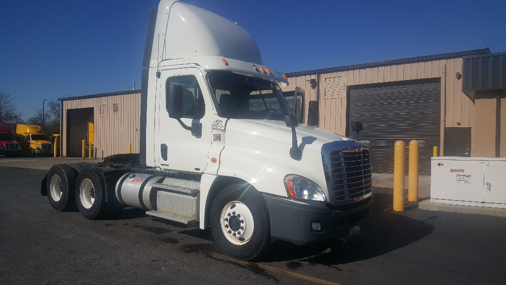 Day Cab Tractor-Heavy Duty Tractors-Freightliner-2013-Cascadia 12564ST-NEW CASTLE-DE-274,090 miles-$45,500
