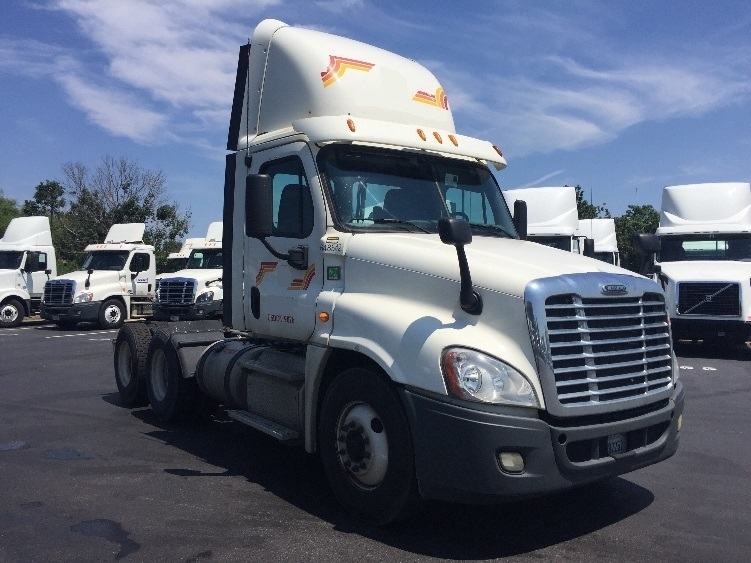 Day Cab Tractor-Heavy Duty Tractors-Freightliner-2013-Cascadia 12564ST-NEW CASTLE-DE-401,000 miles-$39,750